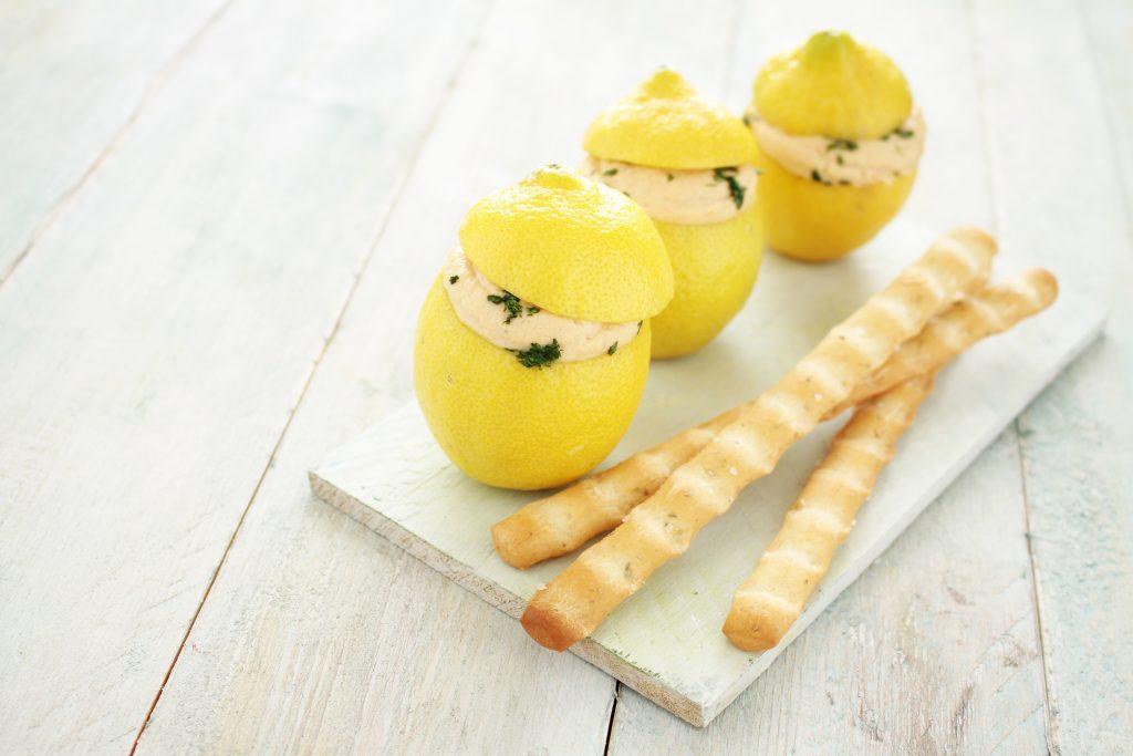 Mousse de citron, saumon et kombucha