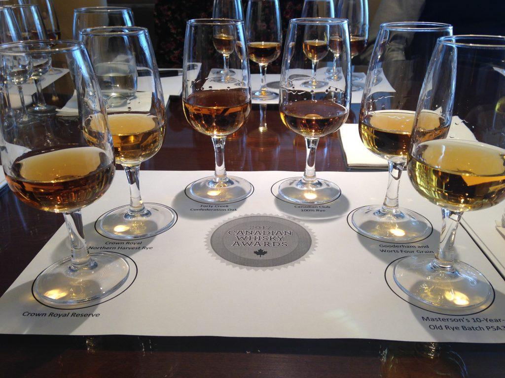 _3 photo verres de whiskies en degustation