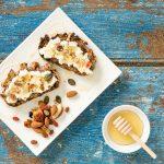 _photo toast fromage de chevre et miel