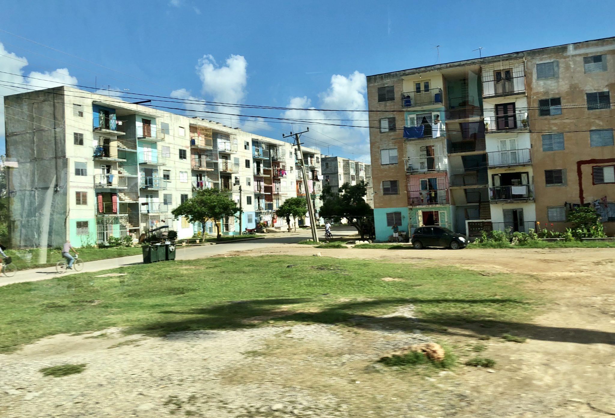 _deux maisons Cuba employés