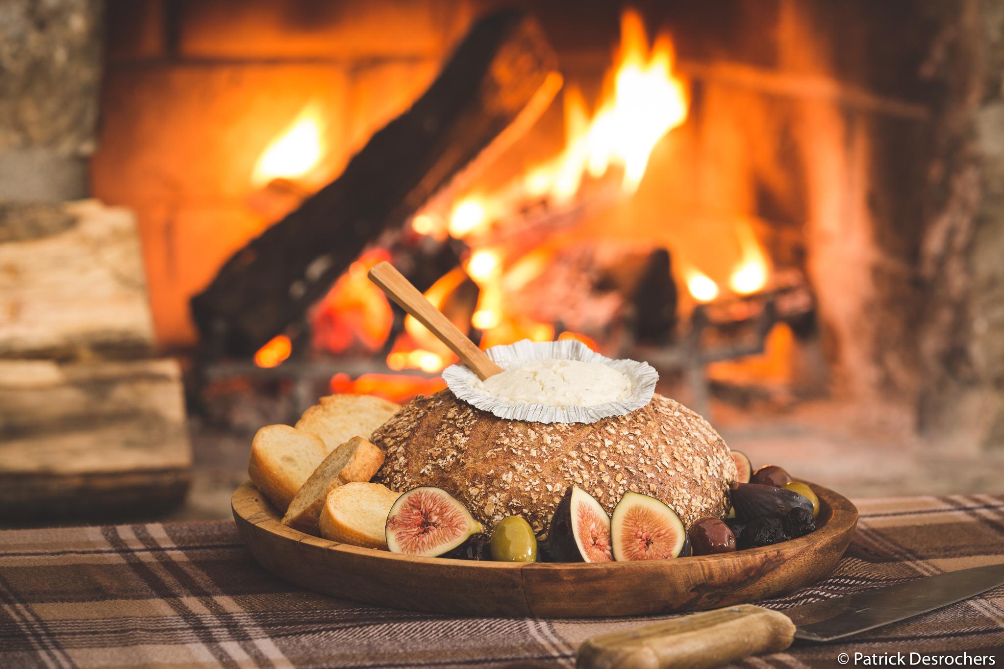 _Photo Boursin à l'ail et miche devant le feu