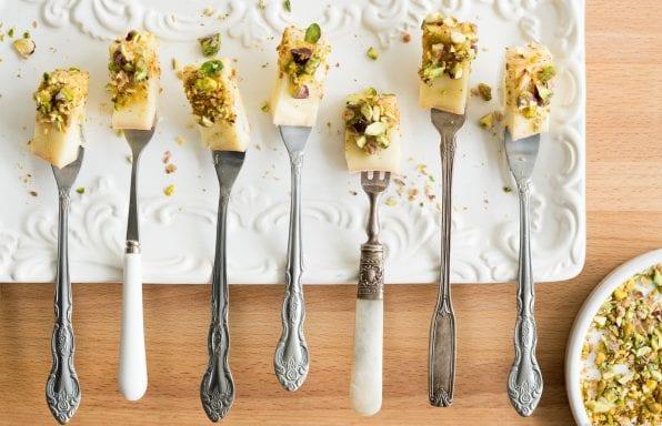 Fourchettes-de-fromage-Noyan-au-miel-et-au-dukkah-principale