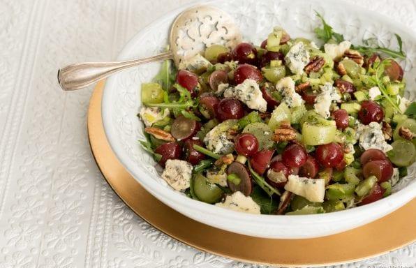 Salade de raisins, céleri et noix au fromage Bleu Bénédictin