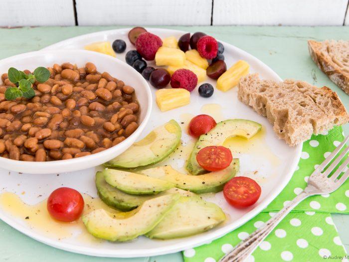 _Photo Nutrition Mars Assiette Déjeuner de fèves végétalienne